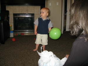 All the kid needs is a balloon and a ball....luckily Mey Mey & Ty delivered!